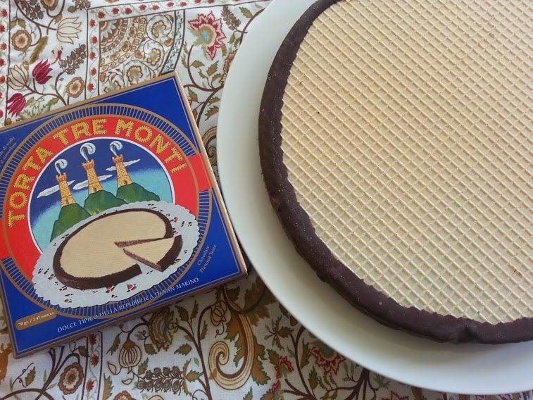 Torta Tre Monti Mini besides the Torta Tre Monti Cake