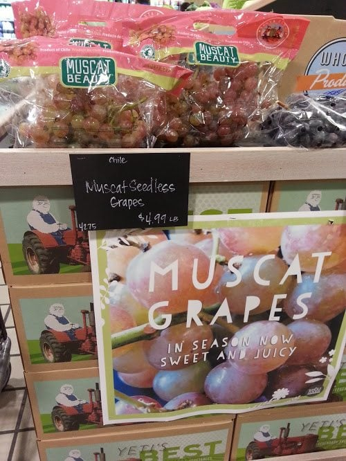 Muscat Grapes price