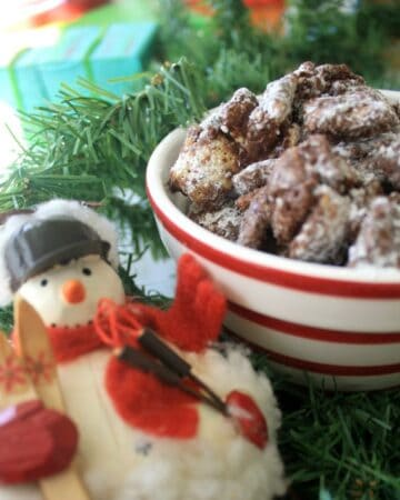 Chex Muddy Buddies is an easy dessert that's chocolatey and delicious. by Mama Maggie's Kitchen