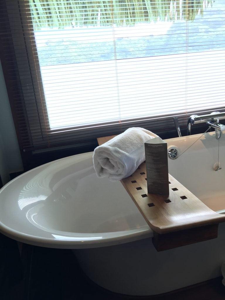 Bathtub at the Intercontinental Bora Bora Thalasso