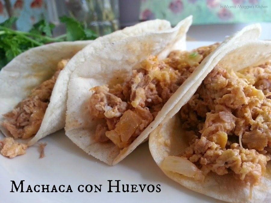 Machaca con Huevos served in tortillas