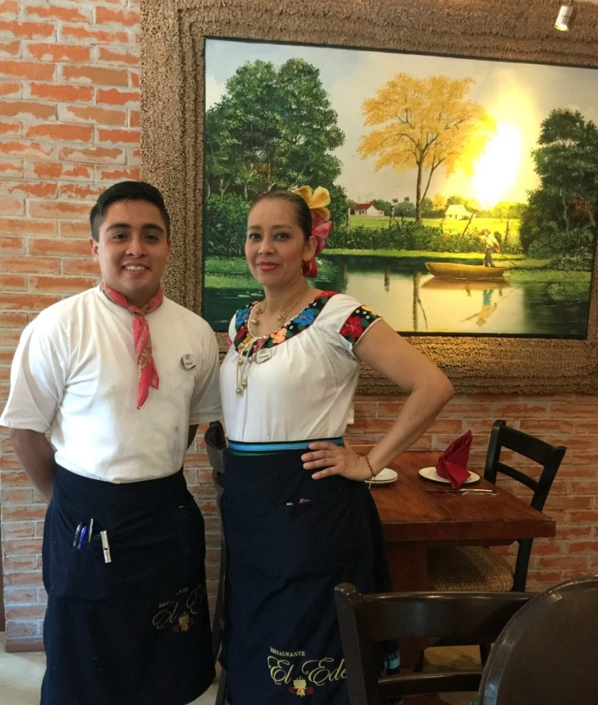 Choco y Choca - man and woman dressed in traditional outfits from Tabasco, Mexico