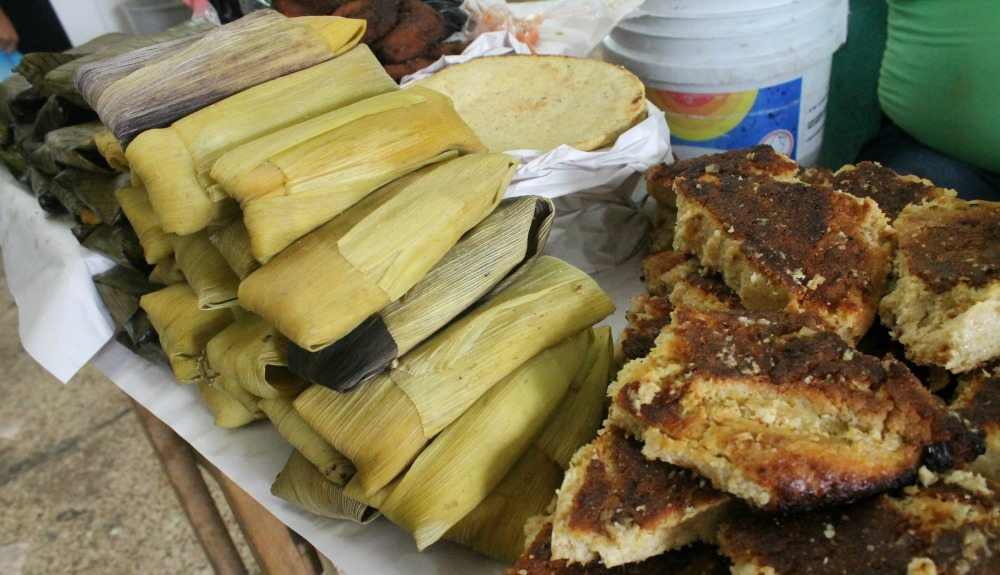 Tamales y Pastel de Elote - Corn Tamales and Corn Cake - Mama Maggie's Kitchen