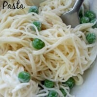Creamy Kids Pasta - This is the perfect dish for fussy, picky eaters. So yummy and good-for-you that mom might even want her own plate. - by Mama Maggie's Kitchen