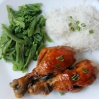 Sriracha Brown Sugar Chicken Drumsticks brings new meaning to yummy comfort food in a sweet and spicy way.