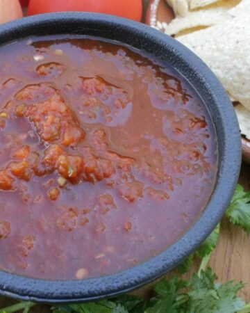Chipotle Salsa is a versatile and delicious way to spice up your food. Perfect with chips or as a base for your easy Mexican recipes. Via @MamaMaggiesKitchen