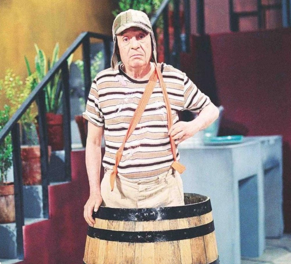 El Chavo in a barrel