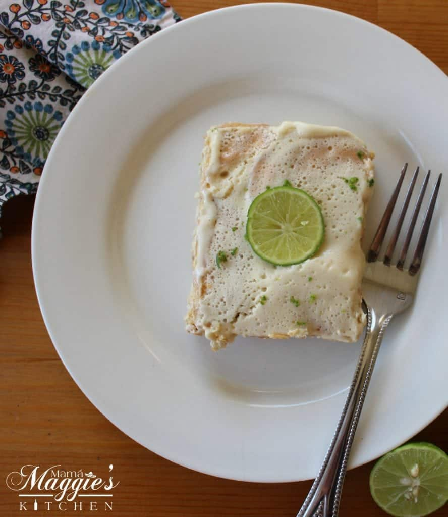 Carlota de Limón with slice of lime and fork